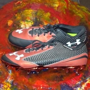 Under Armour Clutch Fit Black/Red Football…